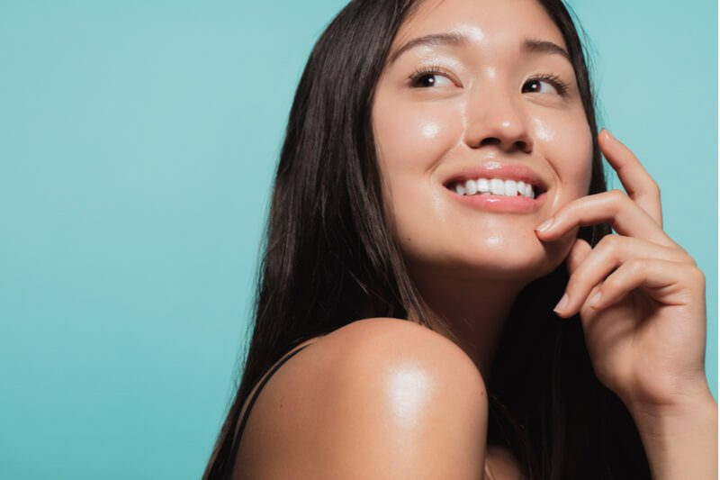 hydrating facial for glossy skin